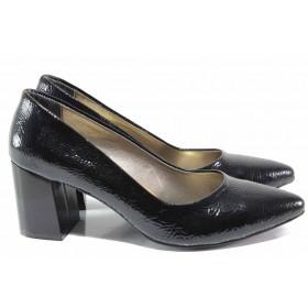 Дамски обувки на висок ток - еко кожа-лак - черни - EO-15446