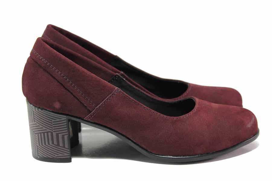 Дамски обувки на среден ток - естествен велур - бордо - EO-15811