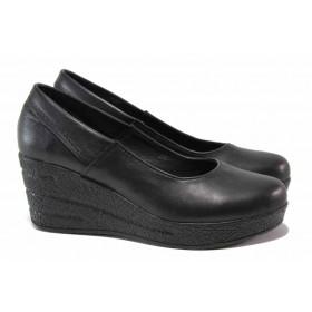 Дамски обувки на платформа - естествена кожа - черни - EO-15794