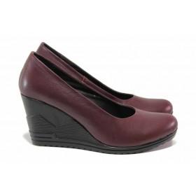 Дамски обувки на платформа - естествена кожа - бордо - EO-15754