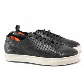 Дамски спортни обувки - естествена кожа - черни - EO-16134