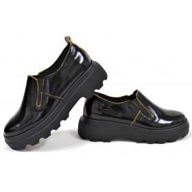 Дамски обувки на платформа - естествена кожа-лак - черни - EO-18263