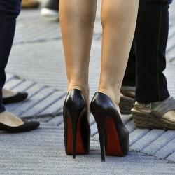 Ползи от носенето на високи обувки