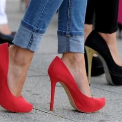 Нашите специални трикове за ходене на високи обувки