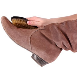 Почистване на велурени обувки у дома