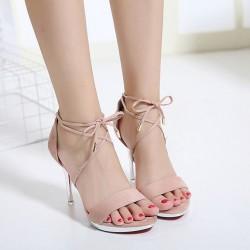 Обувки за абитуриенти – очерта ли се тренд