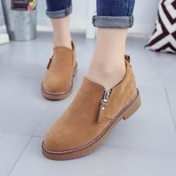 Кадифени дамски обувки за есента