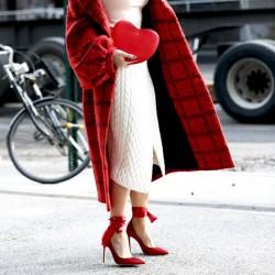 Червени дамски обувки