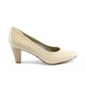 Дамски обувки на среден ток - еко кожа-лак - бежови - EO-936