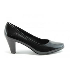 Дамски обувки на среден ток - еко кожа-лак - черни - EO-937
