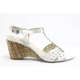 Дамски сандали - естествена кожа - бели - EO-982
