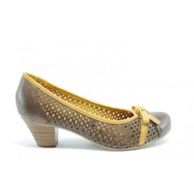 Дамски обувки на среден ток - естествена кожа с перфорация - бежови - EO-969