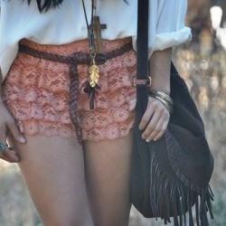 Модни тенденции при дамските чанти за есен/зима 2015-2016